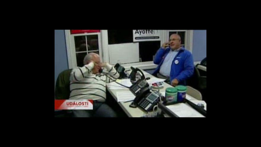 Video V USA před volbami zkolabovala telefonní síť