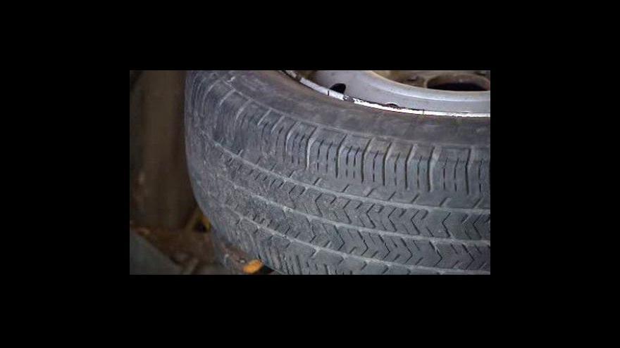 Video Řidiči zaplnili pneuservisy