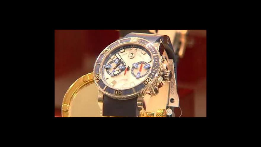 Video Luxusní zboží opět vynáší