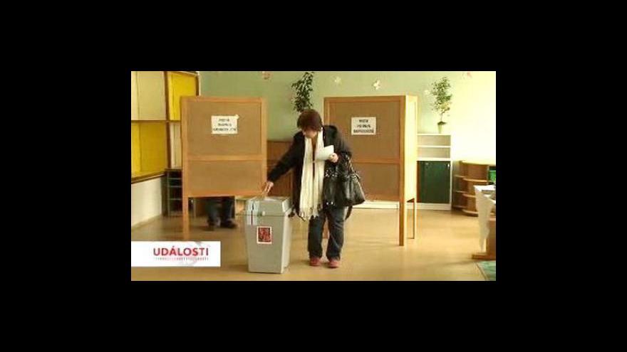 Video První volební den očima ČT