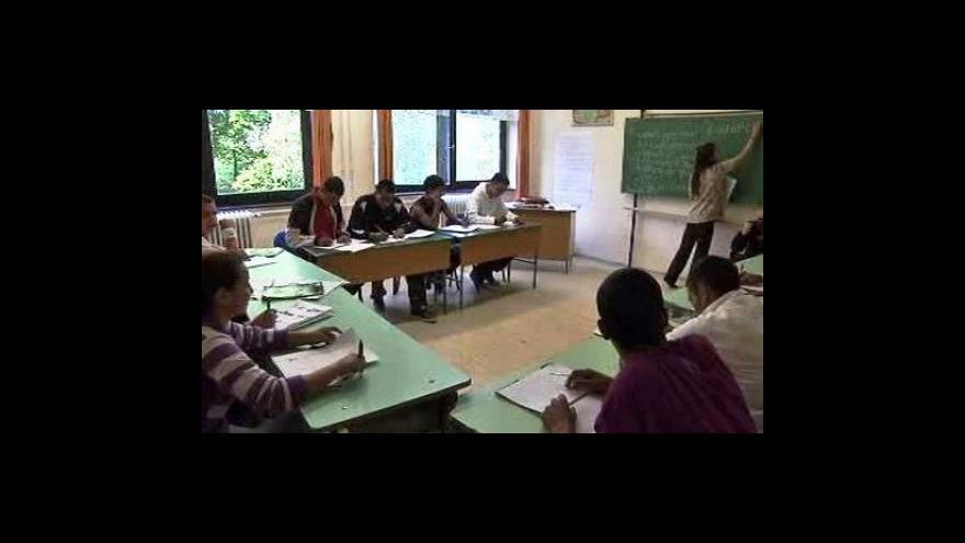 Video Romové se učí ve speciálních třídách