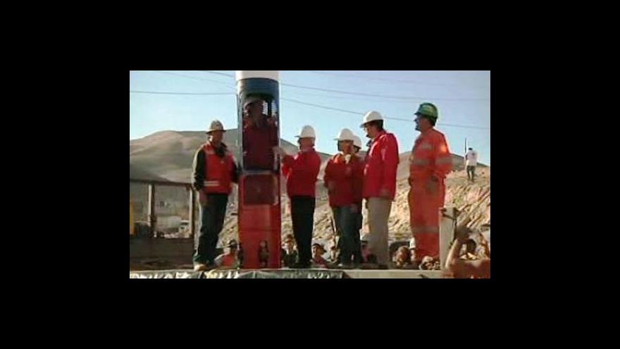 Video Studio ČT24 o záchraně horníků v Chile