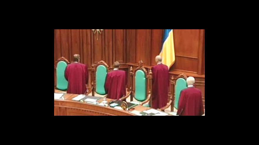 Video Ukrajinský prezident získá zpět své pravomoci
