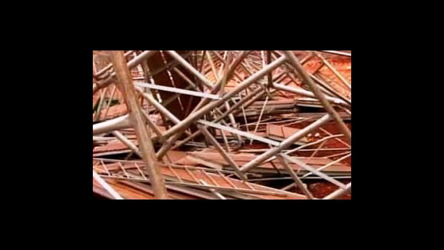 Video Zřícení tribuny v Quatro Pontes