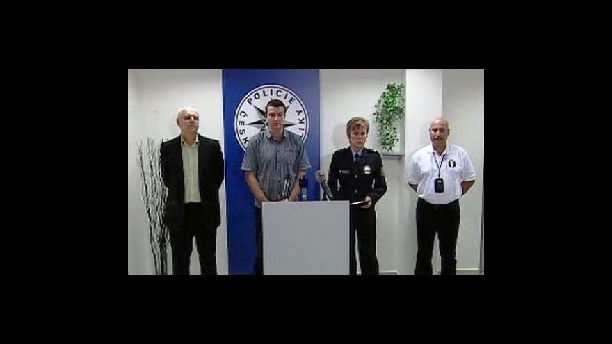 """Video Brífink policie k \""""loupeži století\"""""""