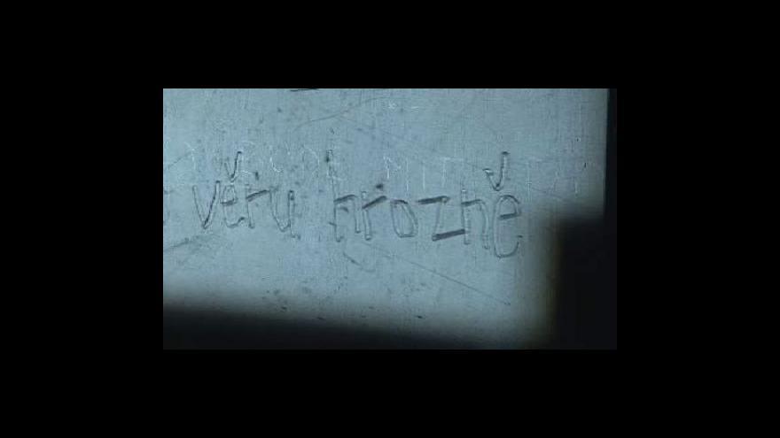 Video Mladí umělci ztvárnili básně českého undergroundu