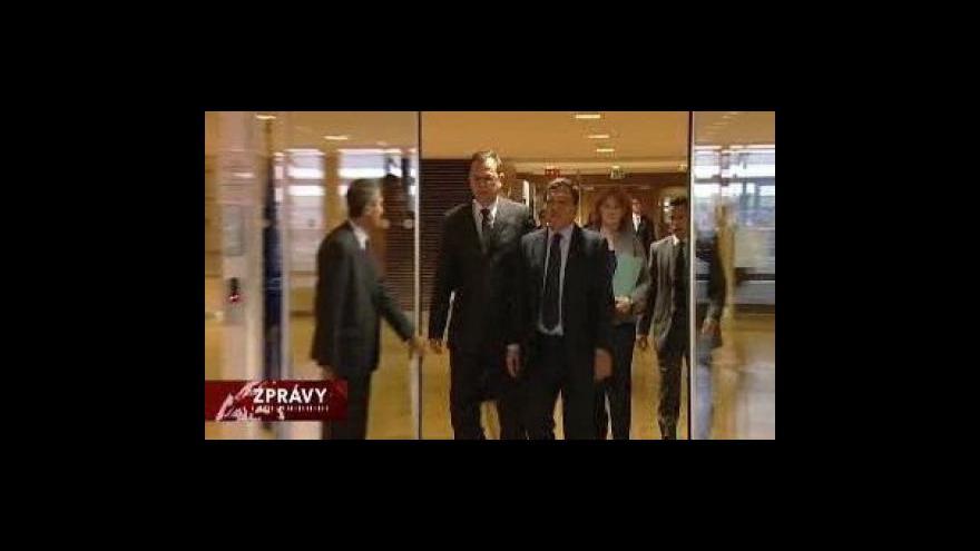 Video Nečasův druhý den v Bruselu
