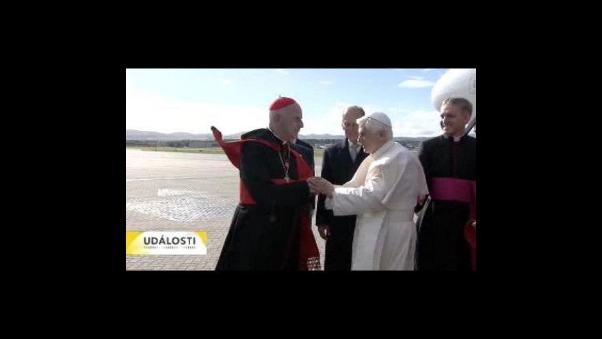 Video Papež se setkal s britskou královnou