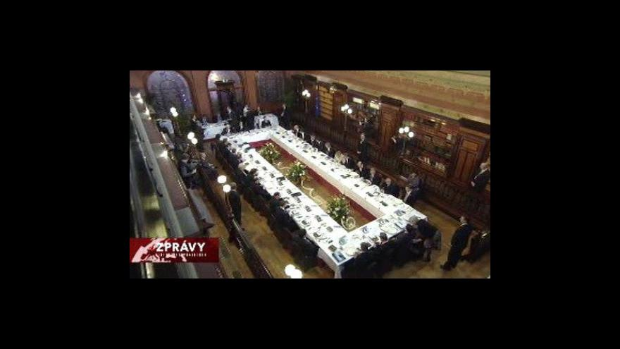 Video Premiér Nečas poprvé jedná v Bruselu