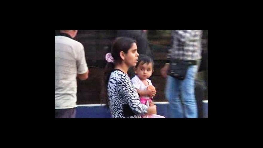 Video Do Bukurešti přiletělo z Francie dalších 230 vyhoštěných Romů