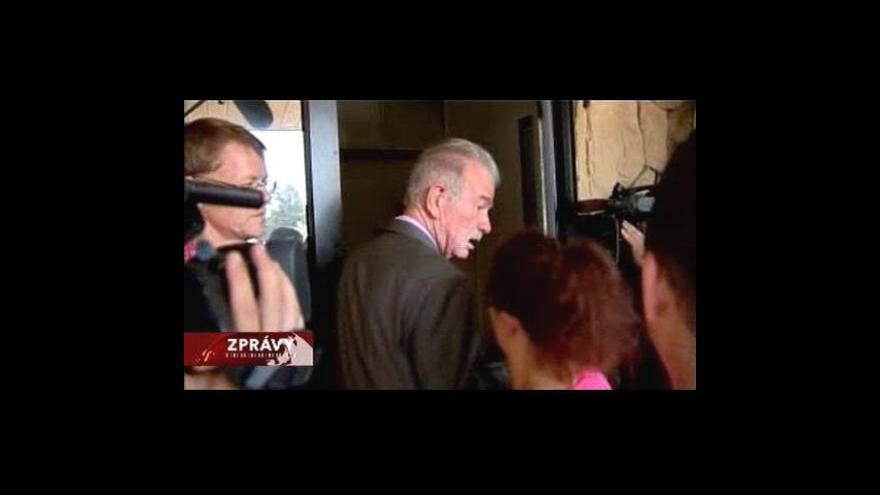 Video Pastor Jones si pálení prozatím nerozmyslel