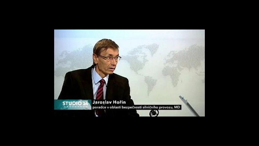 Video Studio ČT24 k srpnovým statistikám nehodovosti
