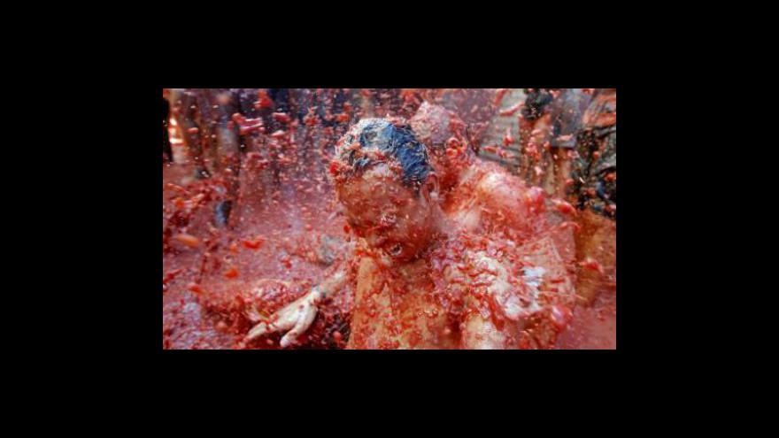 Video Tradiční rajčatová bitva