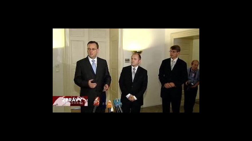 Video Nečasův kabinet se sejde s hejtmany