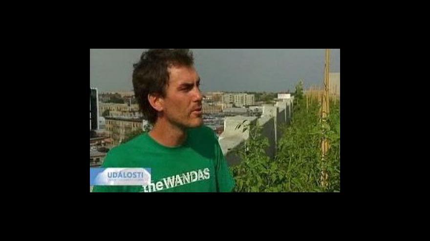 Video Střechy mrakodrapů se využívají na zeleninu