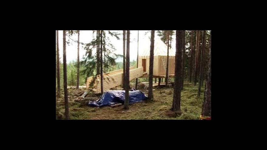 Video Hotel ve stromech