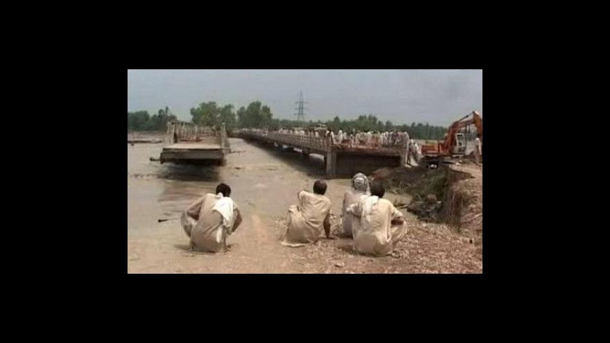 Video Záplavy v Pákistánu postihly 3 miliony lidí