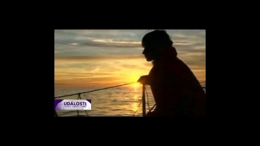 Video Soud povolil cestu kolem světa 14 leté jachtařce