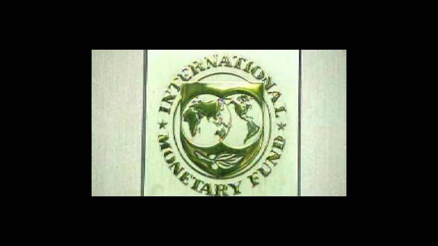 Video MMF a EU nutí Maďarsko k úsporám