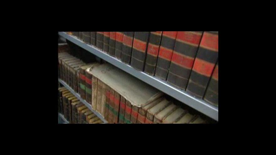 Video Knihám odzvonilo, v módě jsou elektronické čtečky