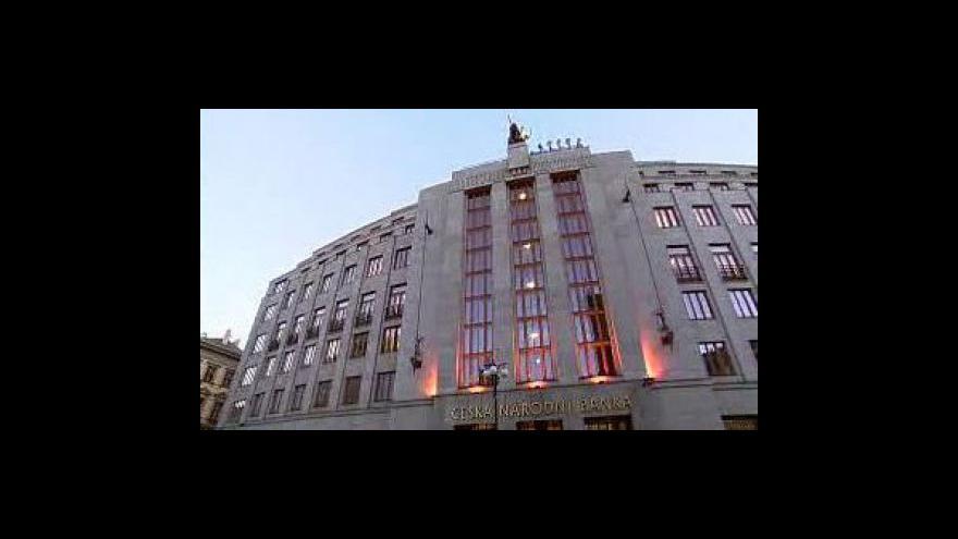 Video Klaus jmenoval nové vedení ČNB