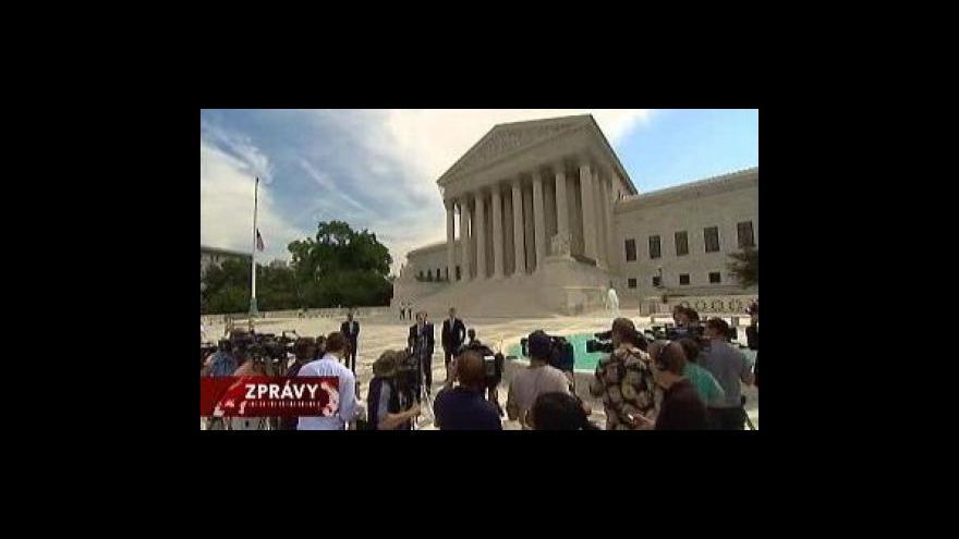 Video Americké právo držet zbraň je stále neomezené