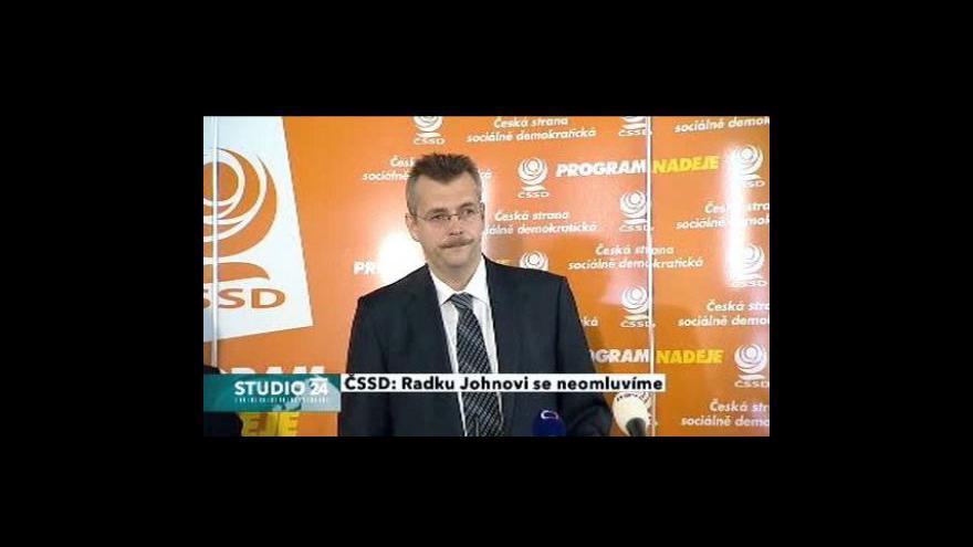 Video Studio ČT24 - ČSSD se Johnovi omlouvat nebude