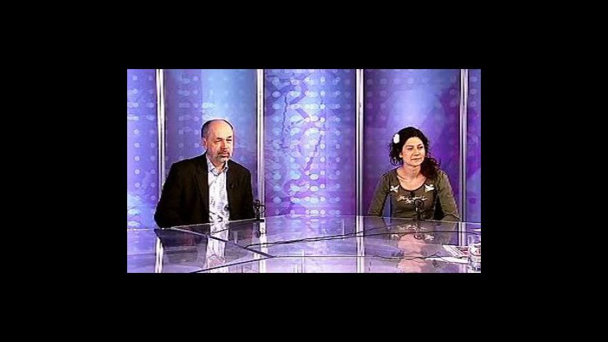 Video Martha Issová a Jiří Pehe ve Studiu 6 ČT24