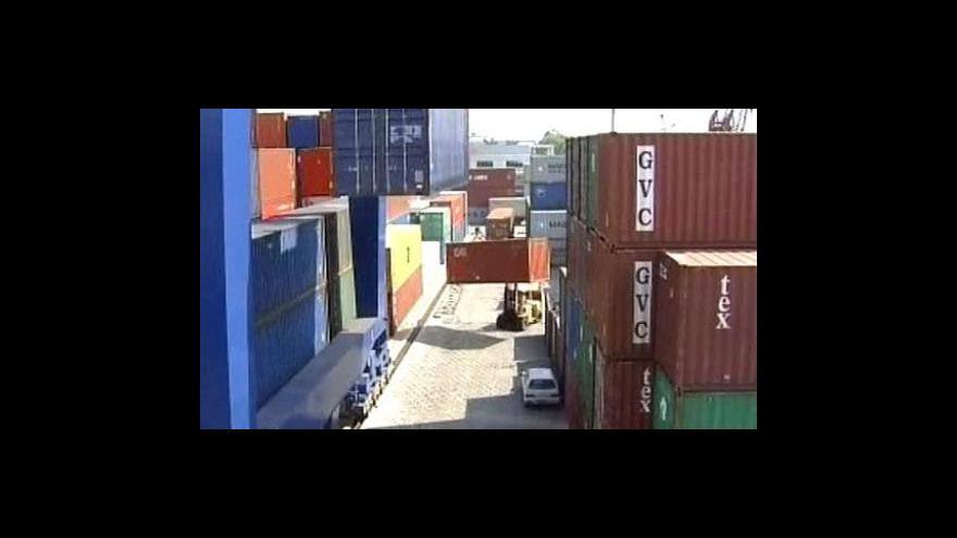 Video Nejíve škodlivé zboží do EU dorazí z Číny