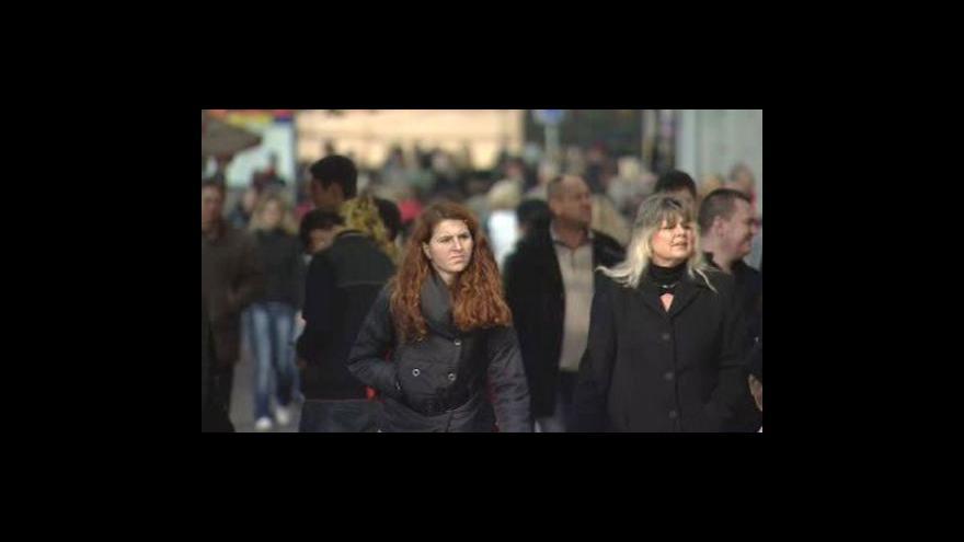 Video Den rovnosti příjmů mužů a žen