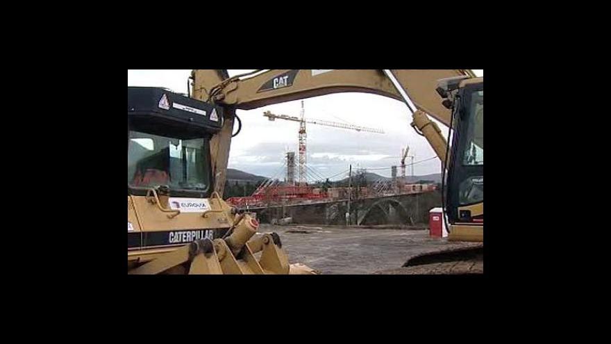 Video Stavebních zakázek od veřejného sektoru ubylo