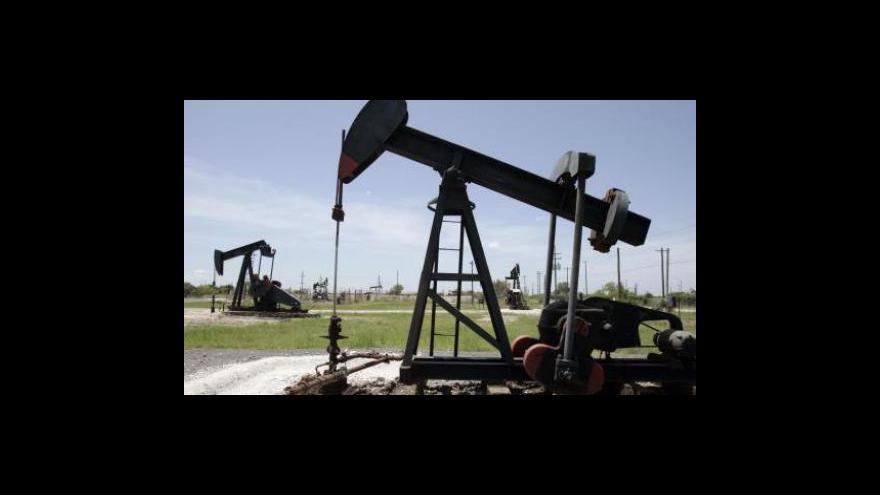 Video Sinopec investuje miliardy do kanadské ropy