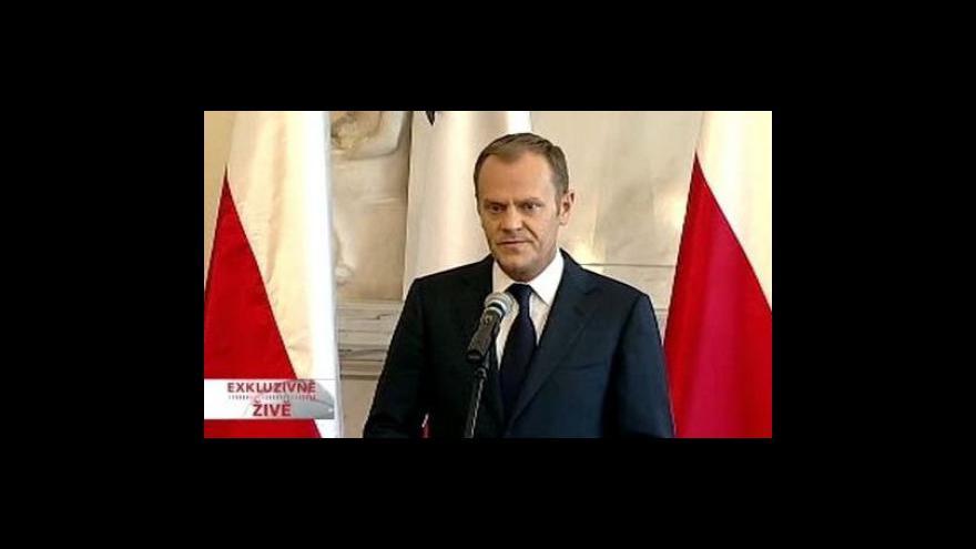 Video Brífink polského premiéra Donalda Tuska