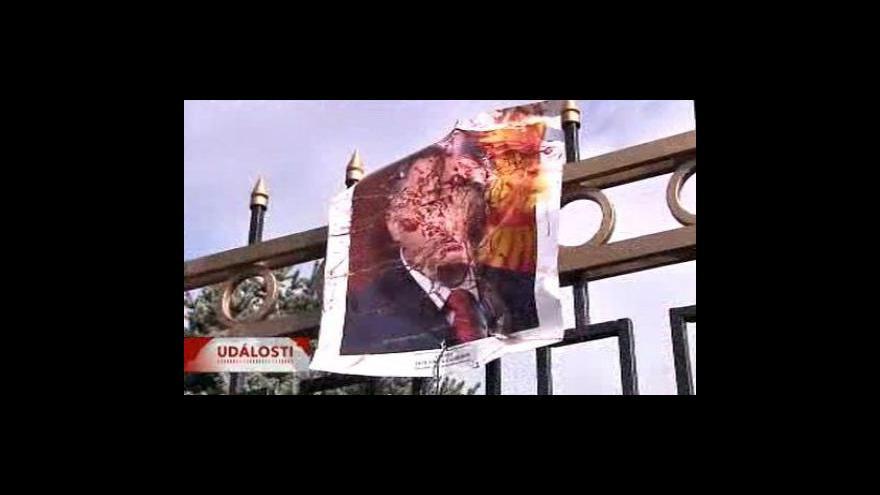 Video Kyrgyzský prezident odstoupit nehodlá