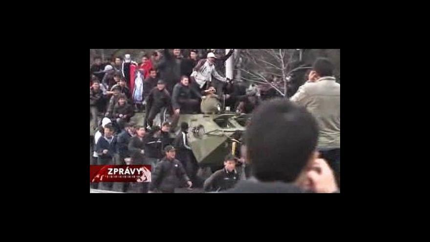 Video Samozvaná vláda Kyrgyzstánu převzala moc