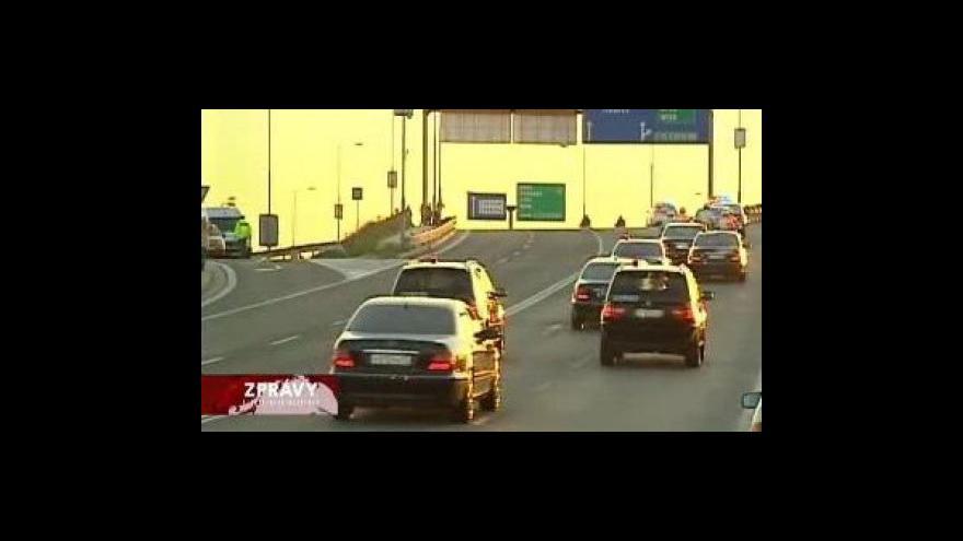 Video Ruský prezident dnes přiletí do ČR