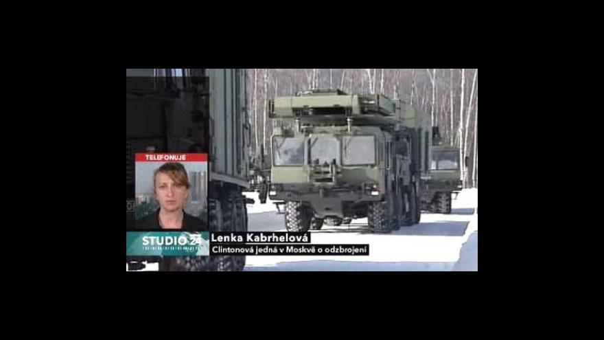 Video Clintonová jedná v Moskvě