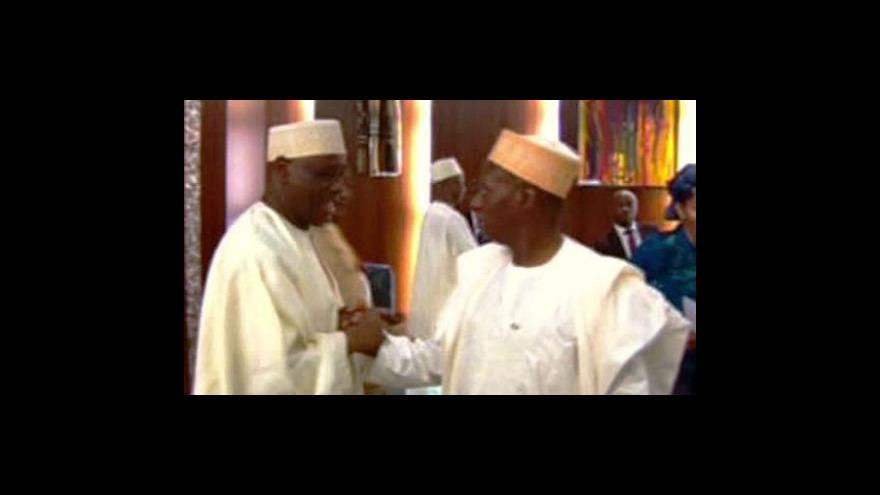 Video Úřadující nigerijský prezident rozpustil vládu