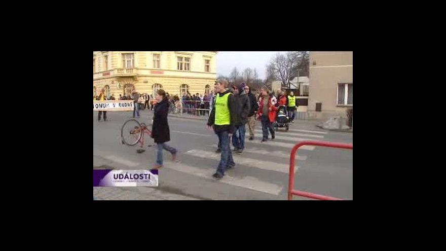 Video Obyvatelé Rudné demonstrují