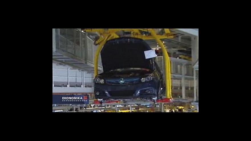 Video Výrobcům aut klesá výroba i zisky