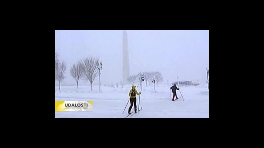 Video Sněhová bouře v USA ustupuje