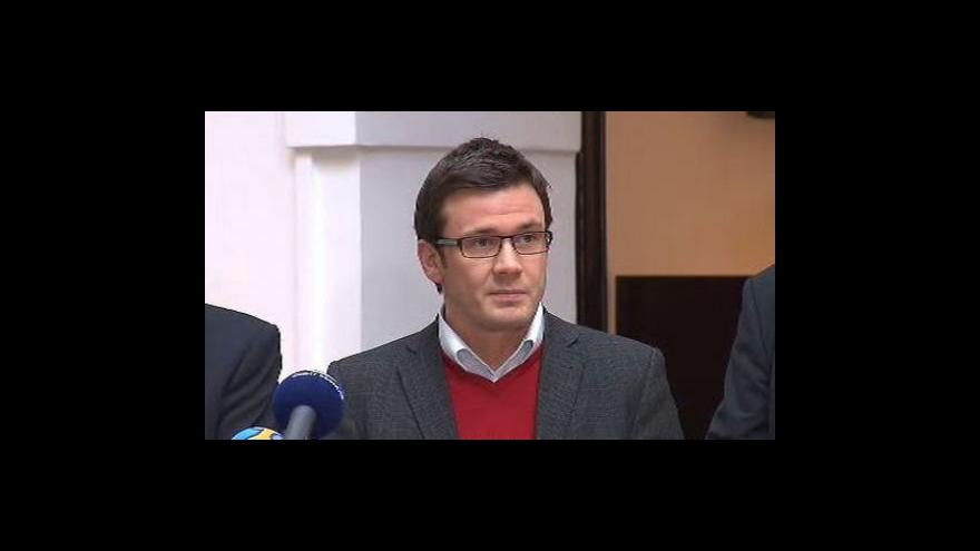 Video Brífink Strany zelených k výstupům tripartity
