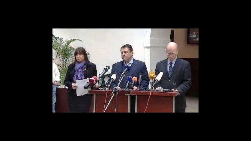 Video Brífink ČSSD k situaci ve sněmovně