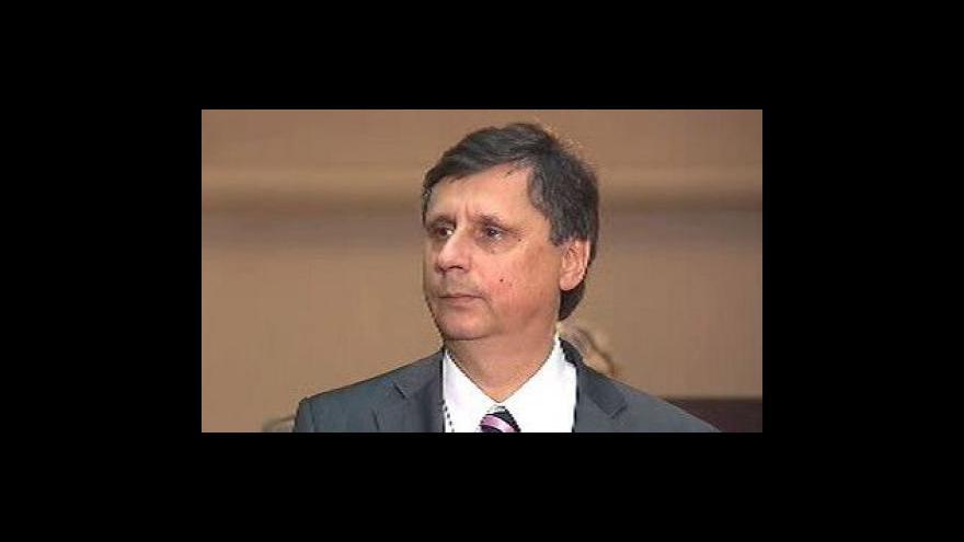Video Fischer jedná s Topolánkem