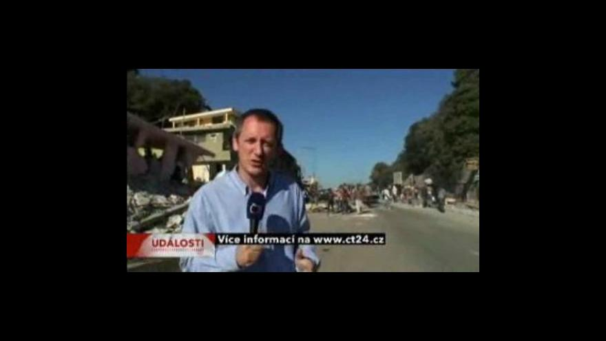 Video Na Haiti se našli v troskách i po pěti dnech živí lidé