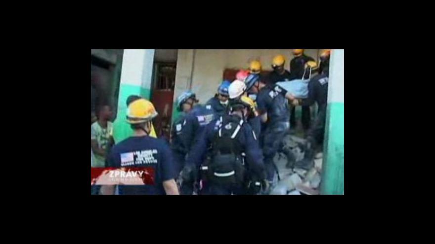 Video Haitská apokalypsa pokračuje šestým dnem