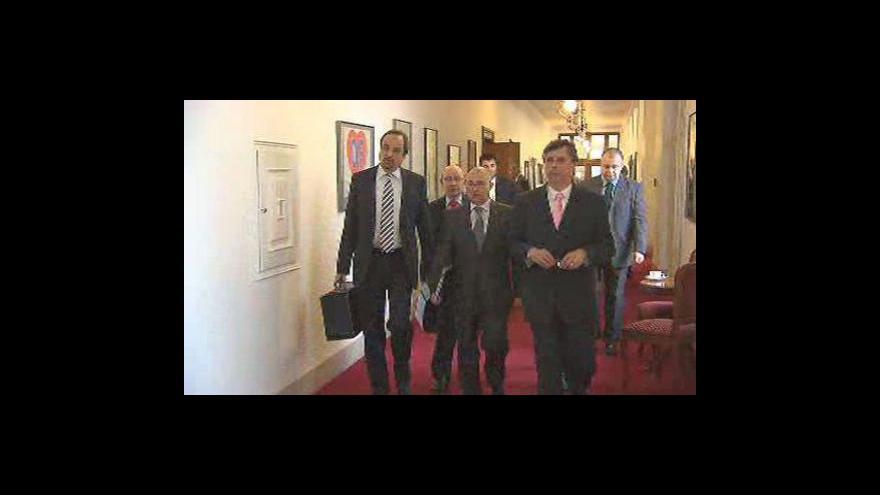 Video Fischer má recept na snížení schodku rozpočtu