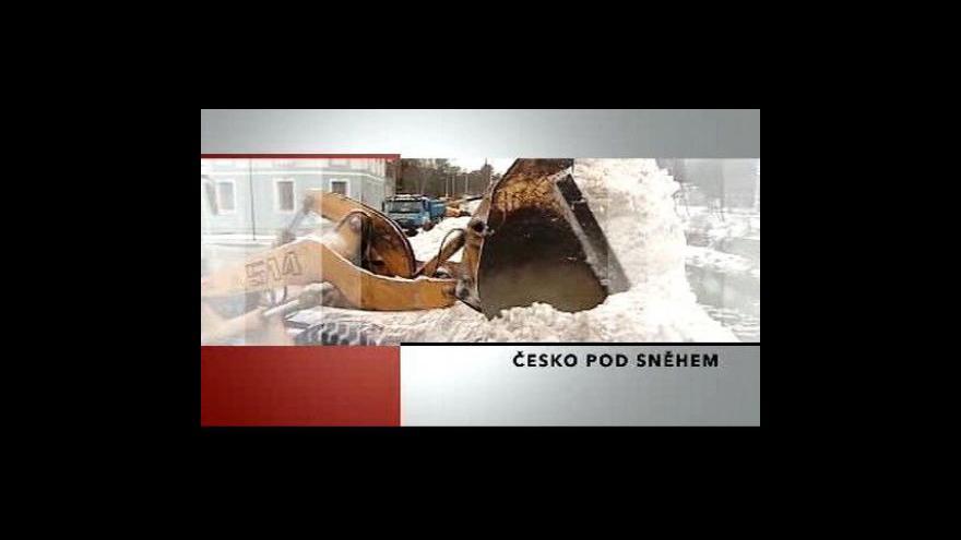 Video Sníh dál trápí Česko