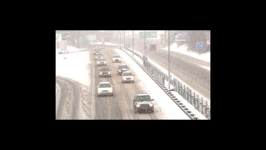 Video Dopravu v Česku komplikuje sněžení