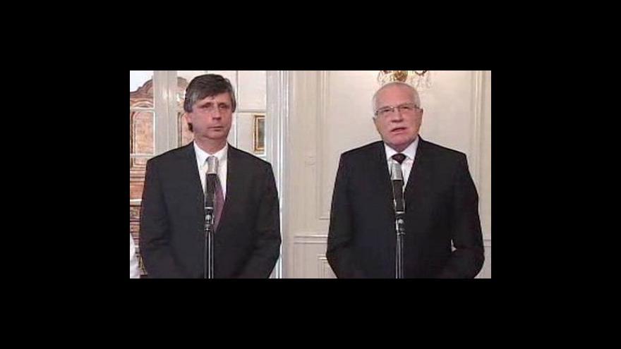 Video Brífink po setkání prezidenta Klause a premiéra Fischera